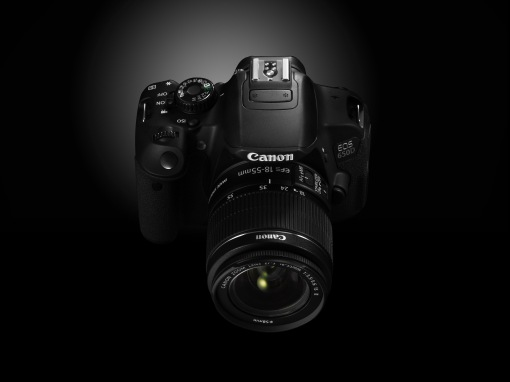 EOS 650D CREATIVE FRONT ANGLE